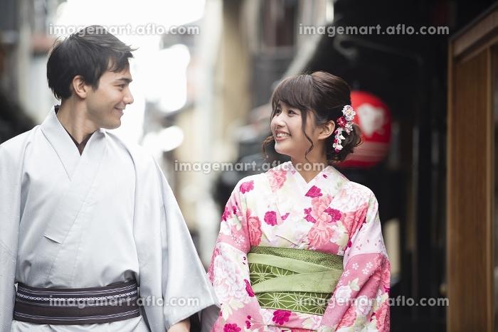 着物姿のカップル