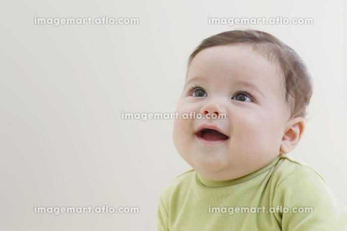 笑顔の赤ちゃんの販売画像