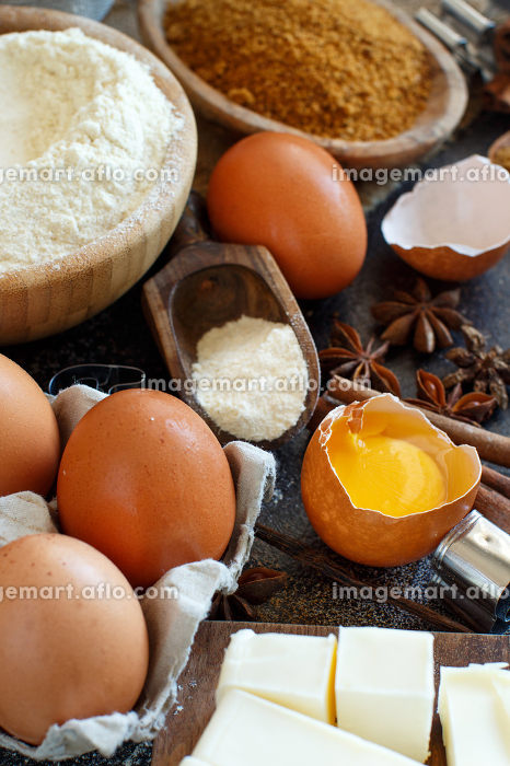 Ingredients and utensils for baking cookiesの販売画像