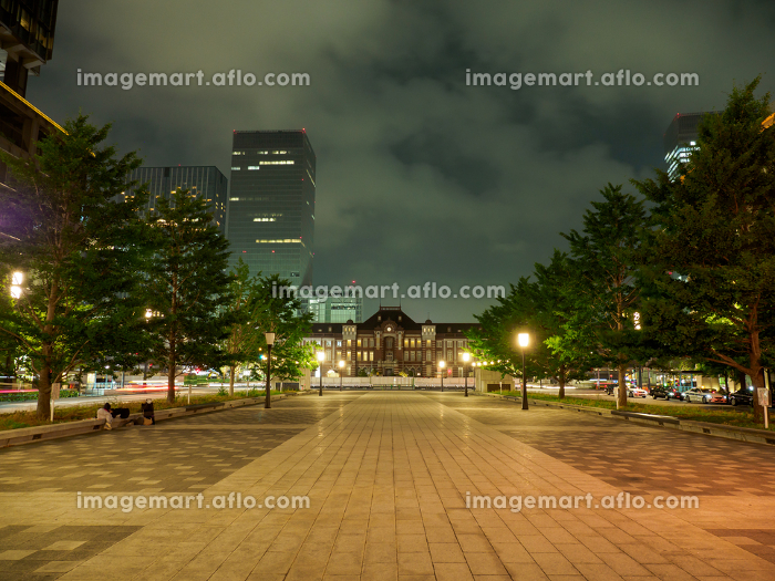 東京駅前 夜景 2017年6月撮影の販売画像