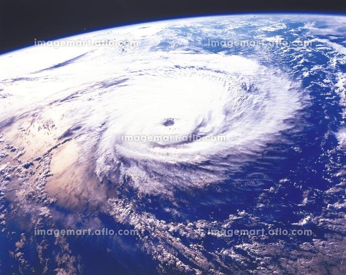 宇宙から見た地球の販売画像