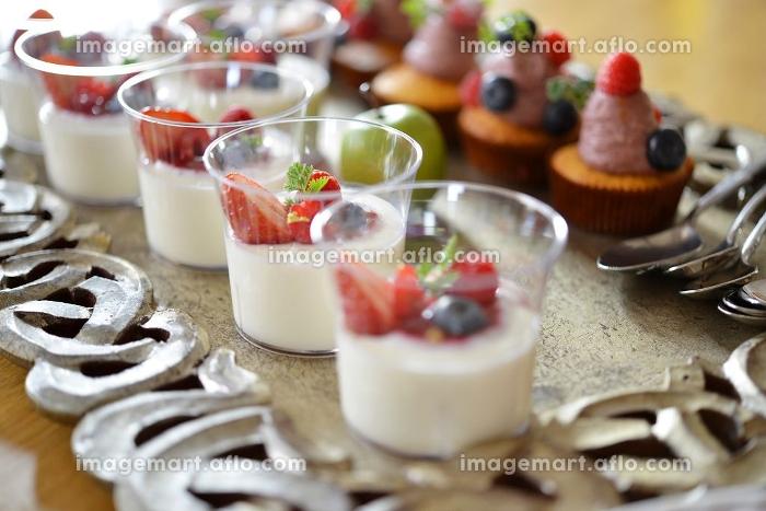 カップケーキとミルクプリン