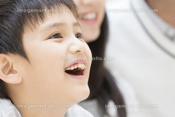 笑顔の男の子の販売画像