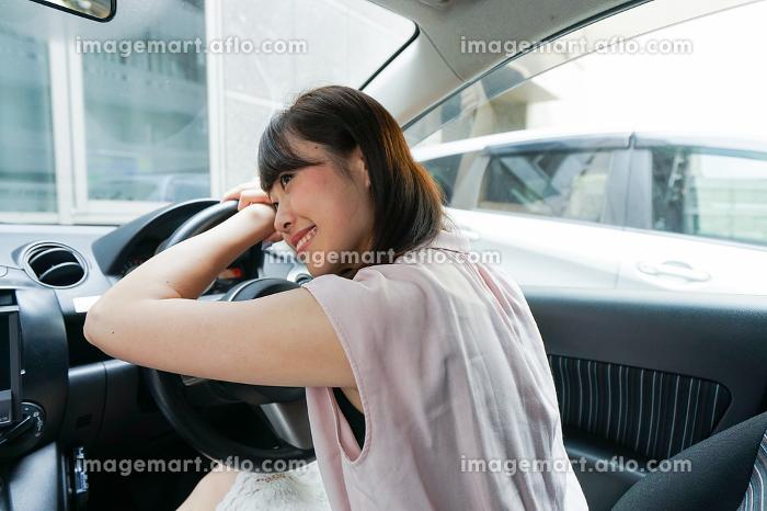 居眠り運転の販売画像