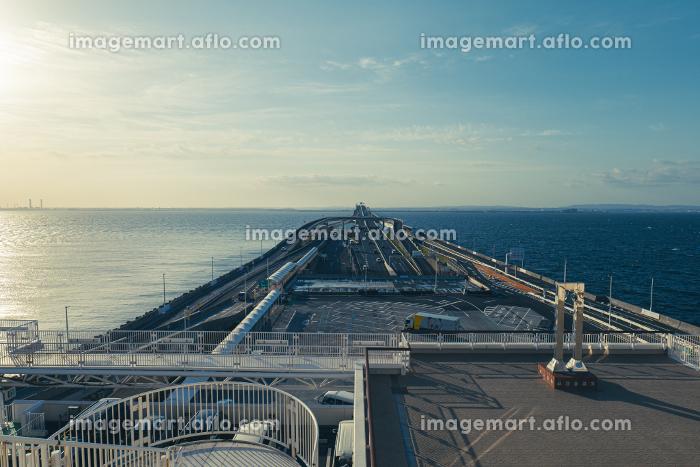 朝の東京湾アクアラインの風景の販売画像