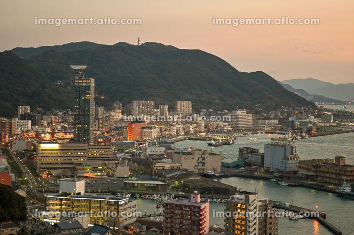 北九州市の有名な観光地門司港レトロ地区の美しい夕暮れの販売画像