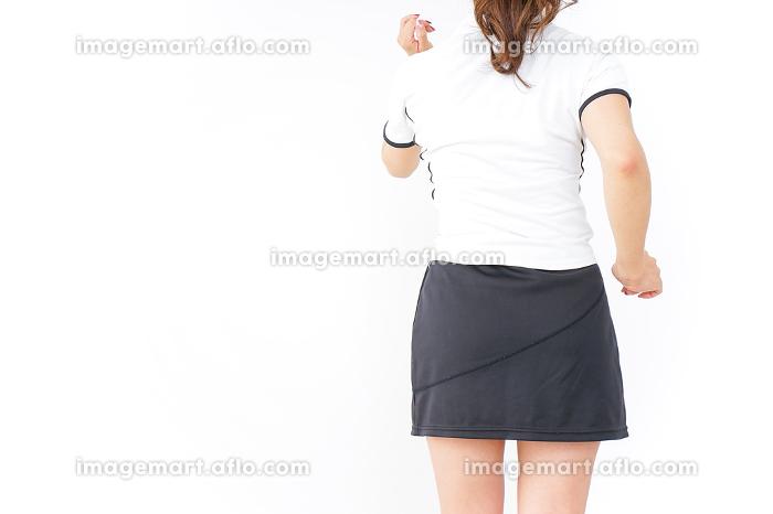 女性 スポーツ 後ろ姿の販売画像