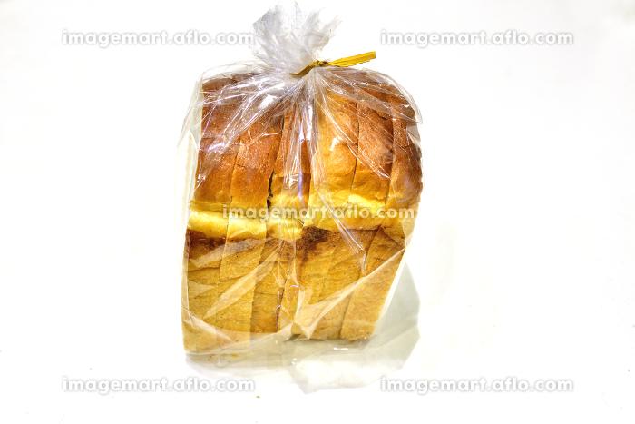 ラッピングされた一斤のパンの販売画像