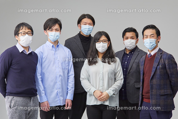 マスクを付ける日本人