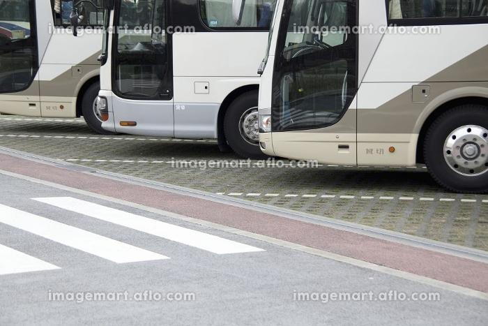 観光バス専用の平面駐車場
