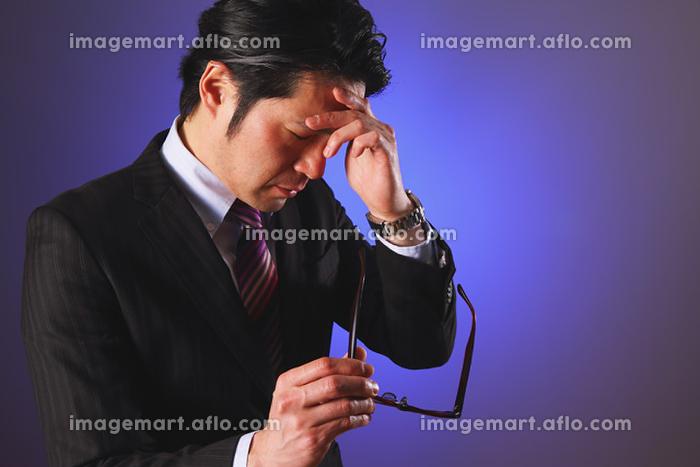 疲労を抱えてる日本人ビジネスマン