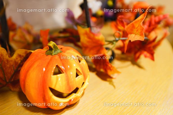 【秋イメージ】ハロウィンのディスプレイの販売画像