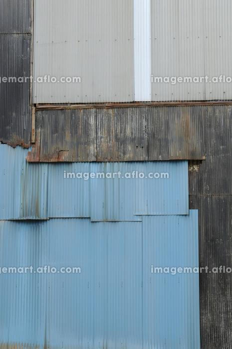 3色の壁の販売画像