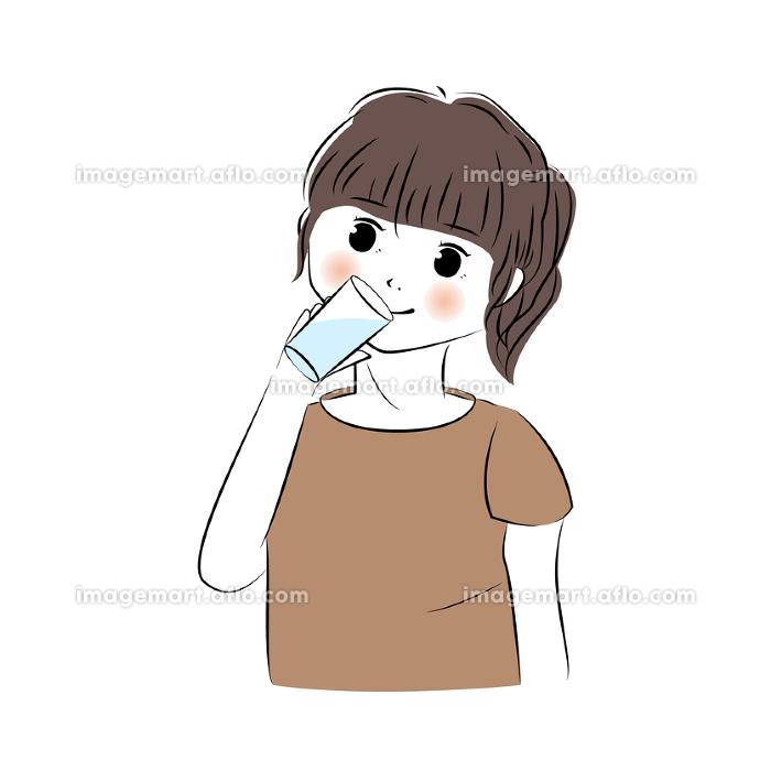 水を飲む女性のイラスト(上半身)の販売画像