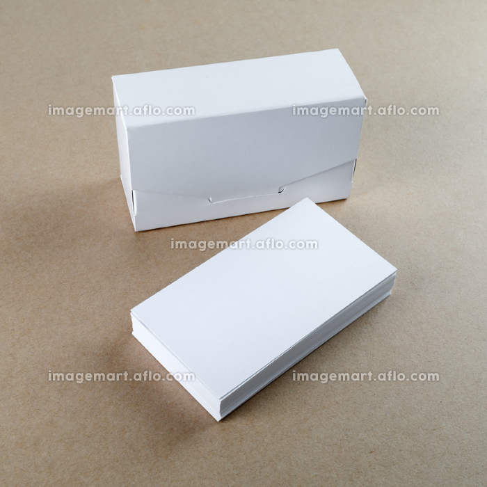 Business cards and a box for themの販売画像