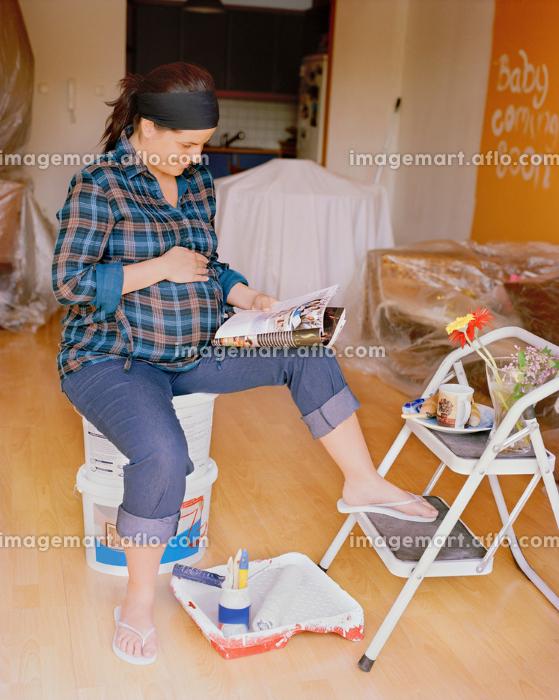 Pregnant woman nesting