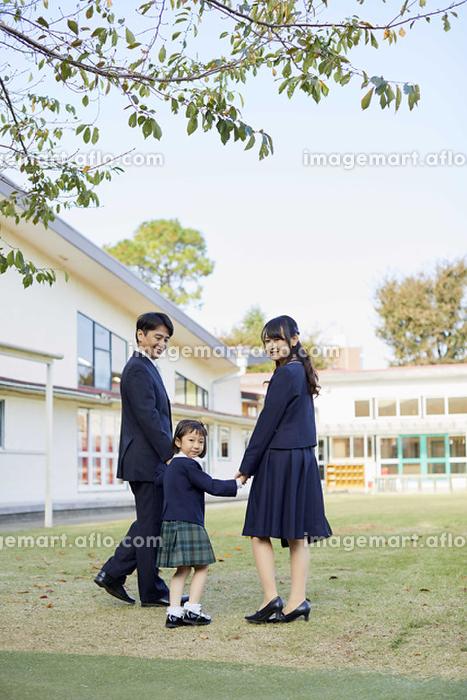 幼稚園の卒園式の販売画像