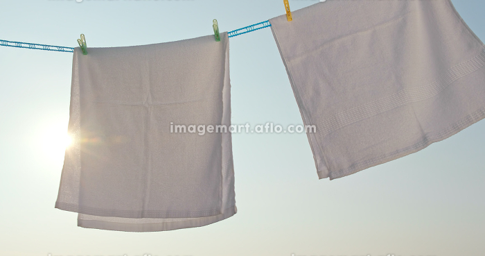 Towel dry under sunlight at outdoorの販売画像