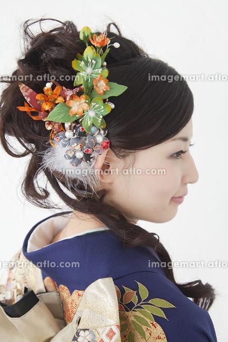 振袖姿の女性の後姿の販売画像