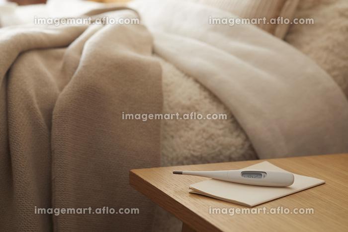 枕元の体温計の販売画像