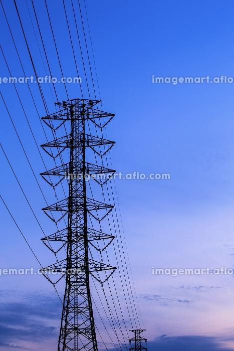 鉄塔と送電線の販売画像