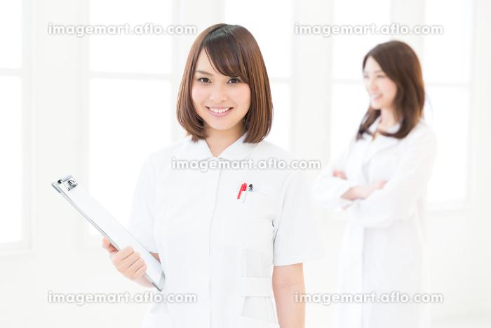 女医とナース タブレットの販売画像
