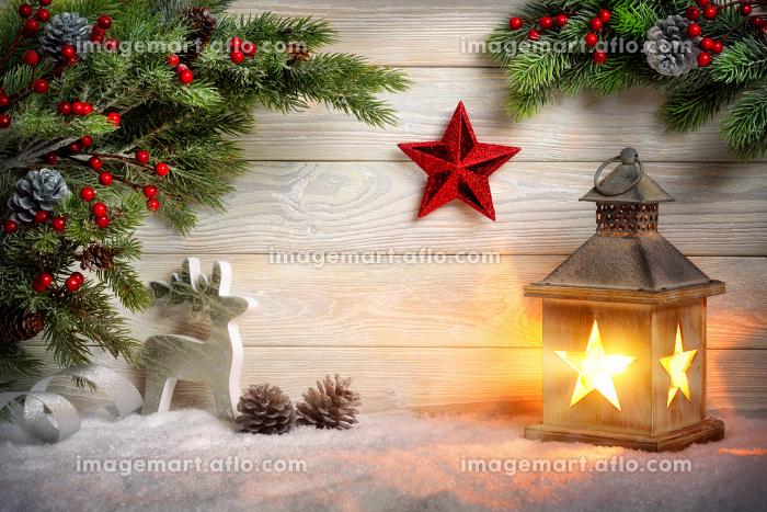 stylish ornamental christmas arrangementの販売画像